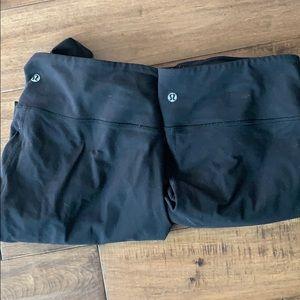 Two Lululemon leggings underwunder 10